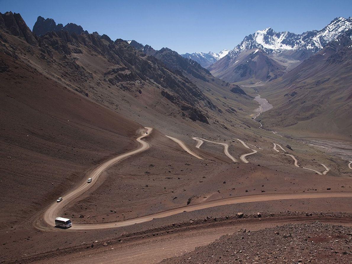 Chile-Argentina: Dangerous Curves Ahead