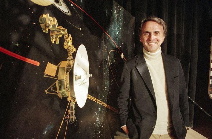 Sagan talks about the Voyager 2 spacecraft at the Jet Propulsion Laboratories in Pasadena, California, in ...