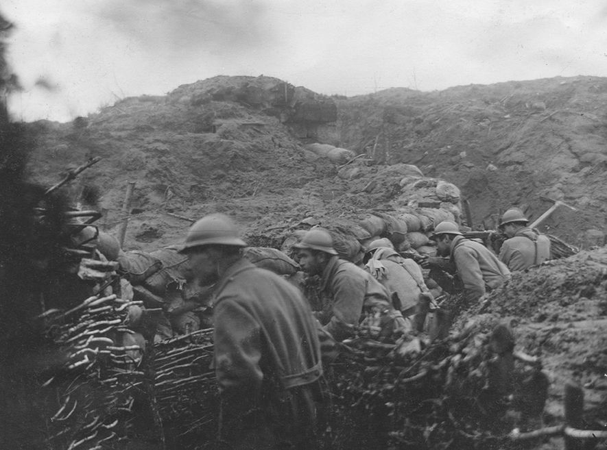 France's 92nd Infantry Regiment fights in the trenches in 1916. National Geographic's maps of the war ...
