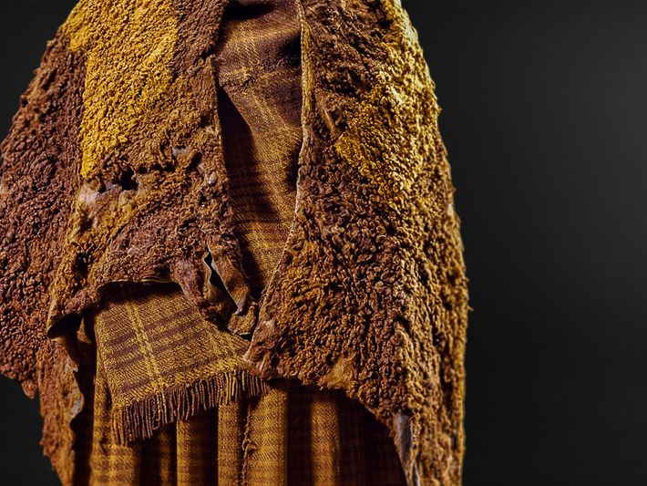 Analysis of Huldremose Woman's leather cape and woollen scarf and skirt show that the clothing had ...