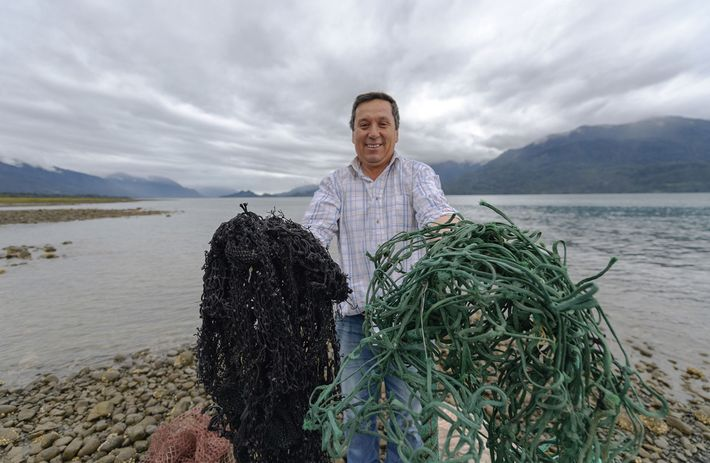 Collecting fishing nets and other plastic waste