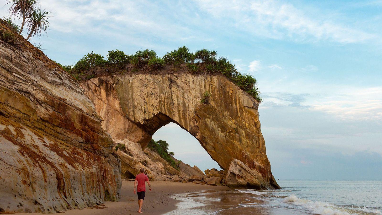An hour from Miri is Tusan Beach, centring around the stunning Tusan Cliff. Here, lucky beachgoers ...