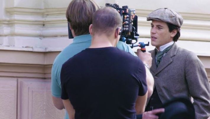 Behind the Scene with Johnny Flynn