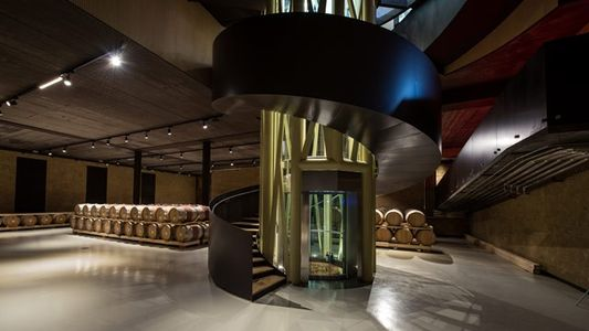 Italy: The valley of many cellars
