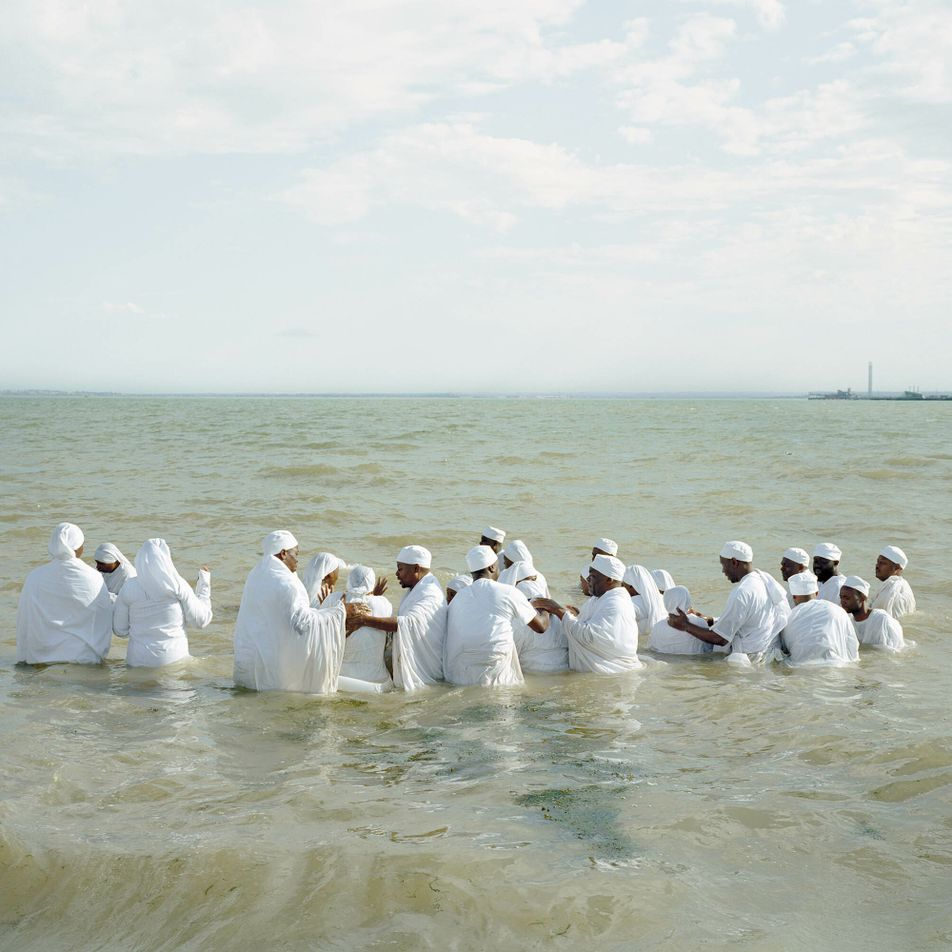 Life of a river: evocative photographs frame the Thames as an artery of culture and ritual