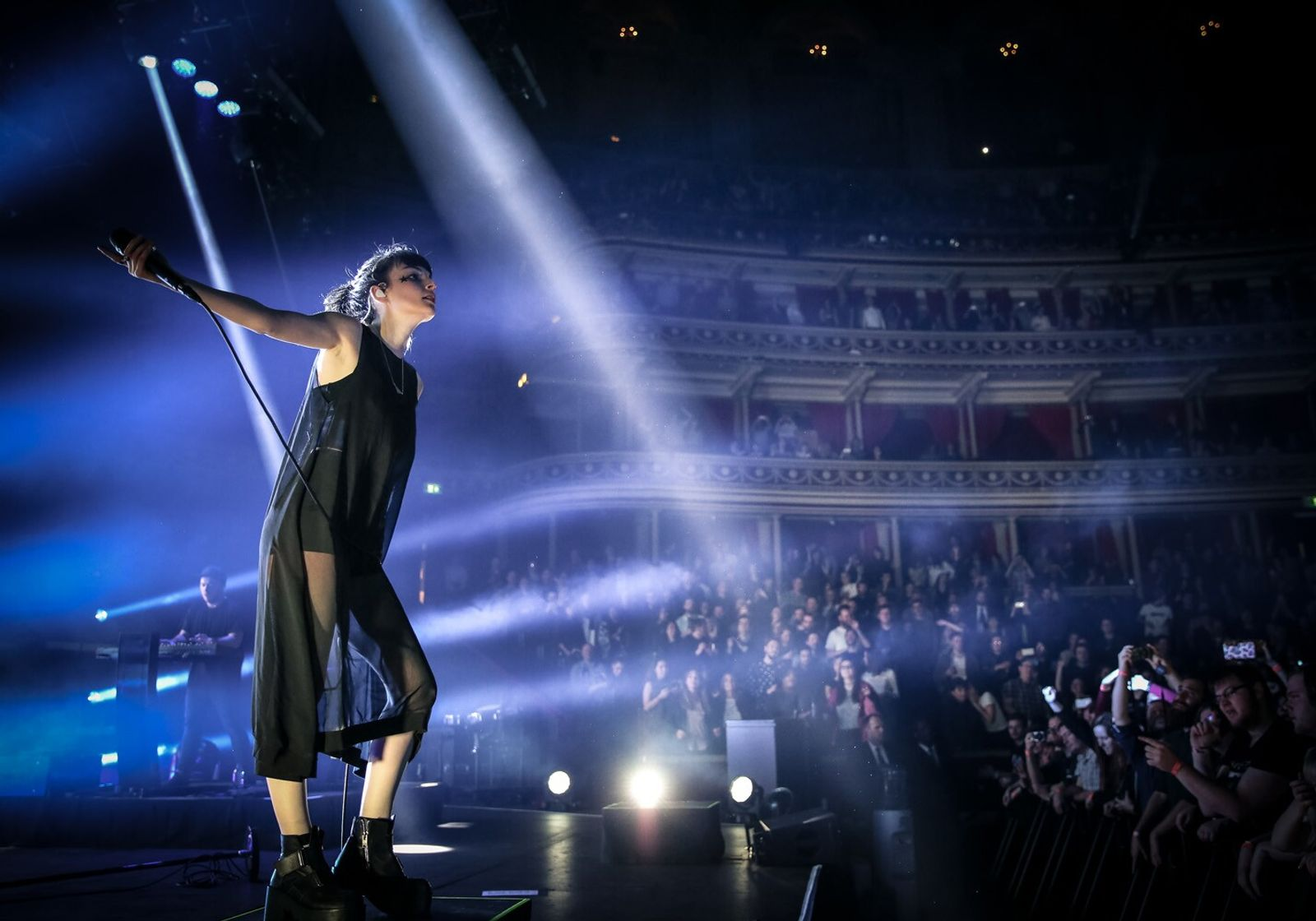 Scottish electro-pop band Chvrches made an acclaimed performance in 2016.