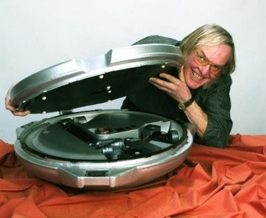 Colin Pillinger (1943–2014) was principal investigator for Beagle-2 and will be remembered for his enthusiasm for ...