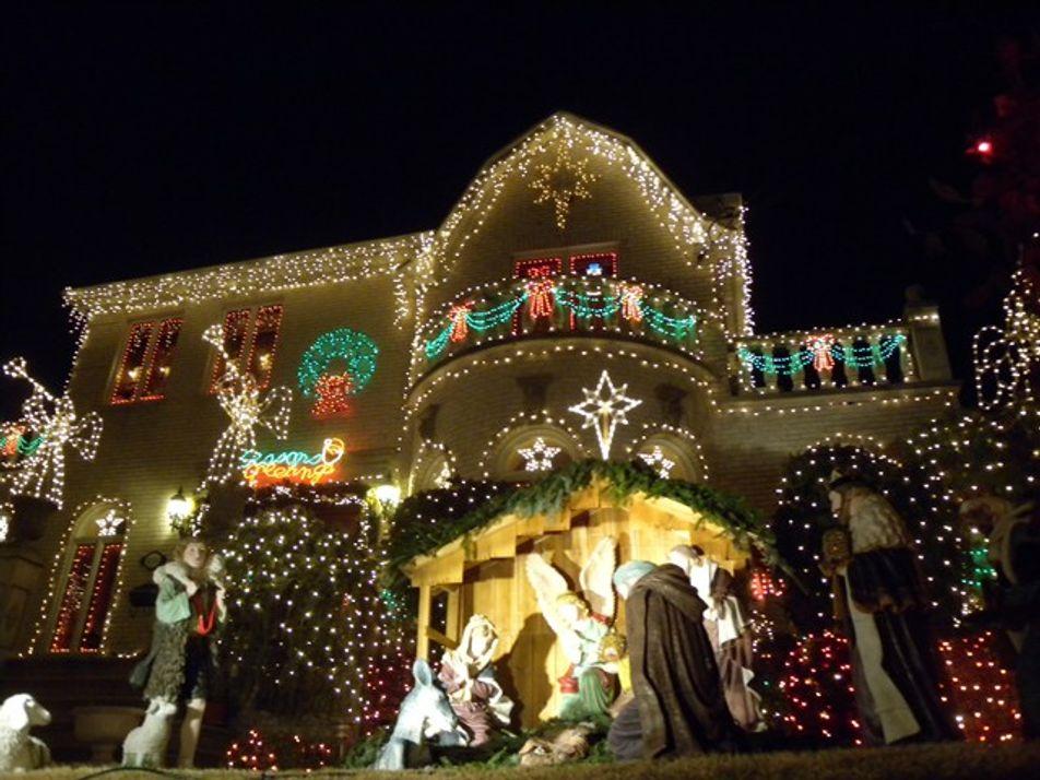 Brooklyn: Christmas lights