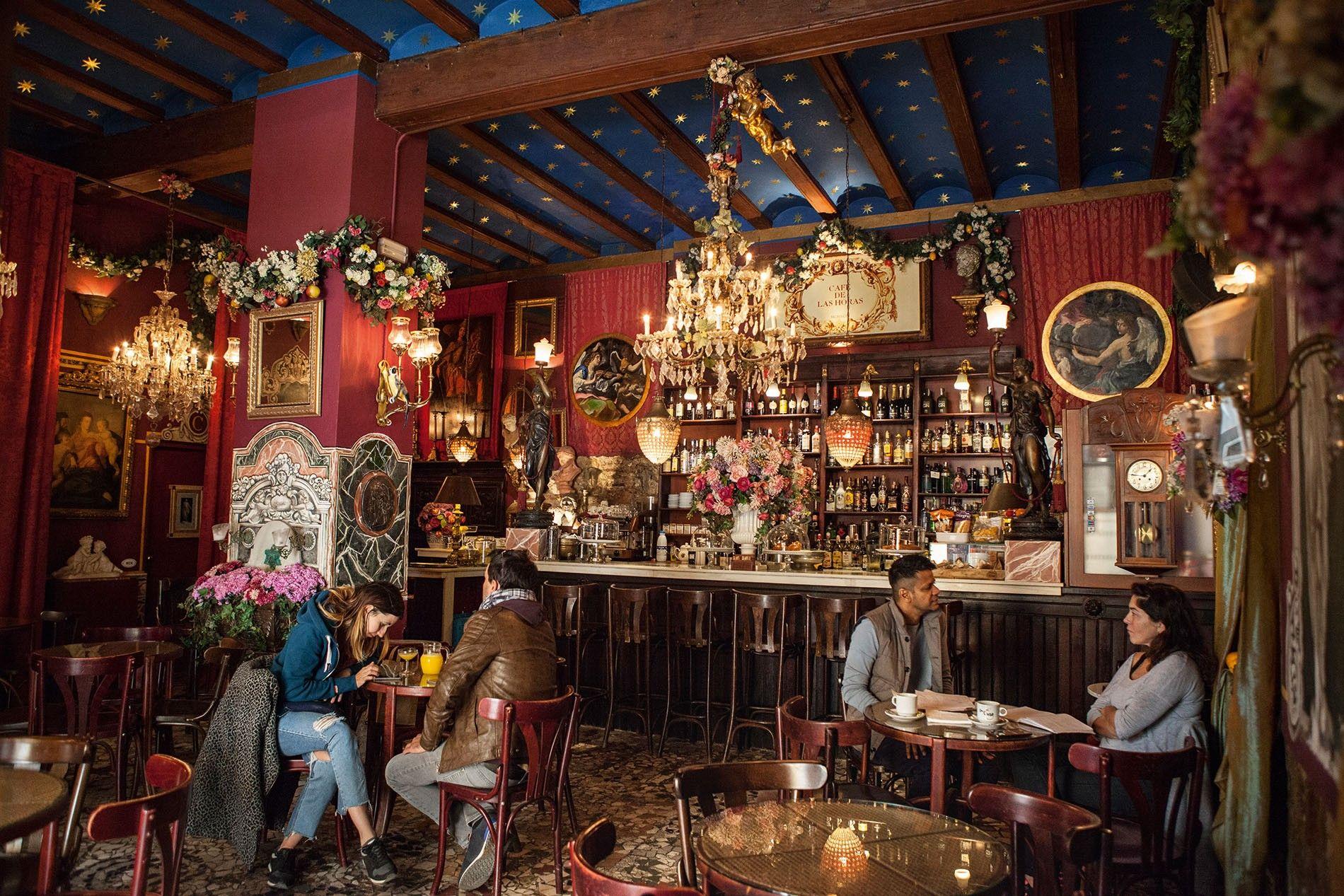 Café de las Horas interior.