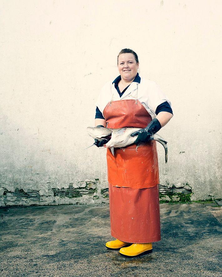 Lorna Cruickshank, filleter: photographed in Fraserburgh, Aberdeenshire.