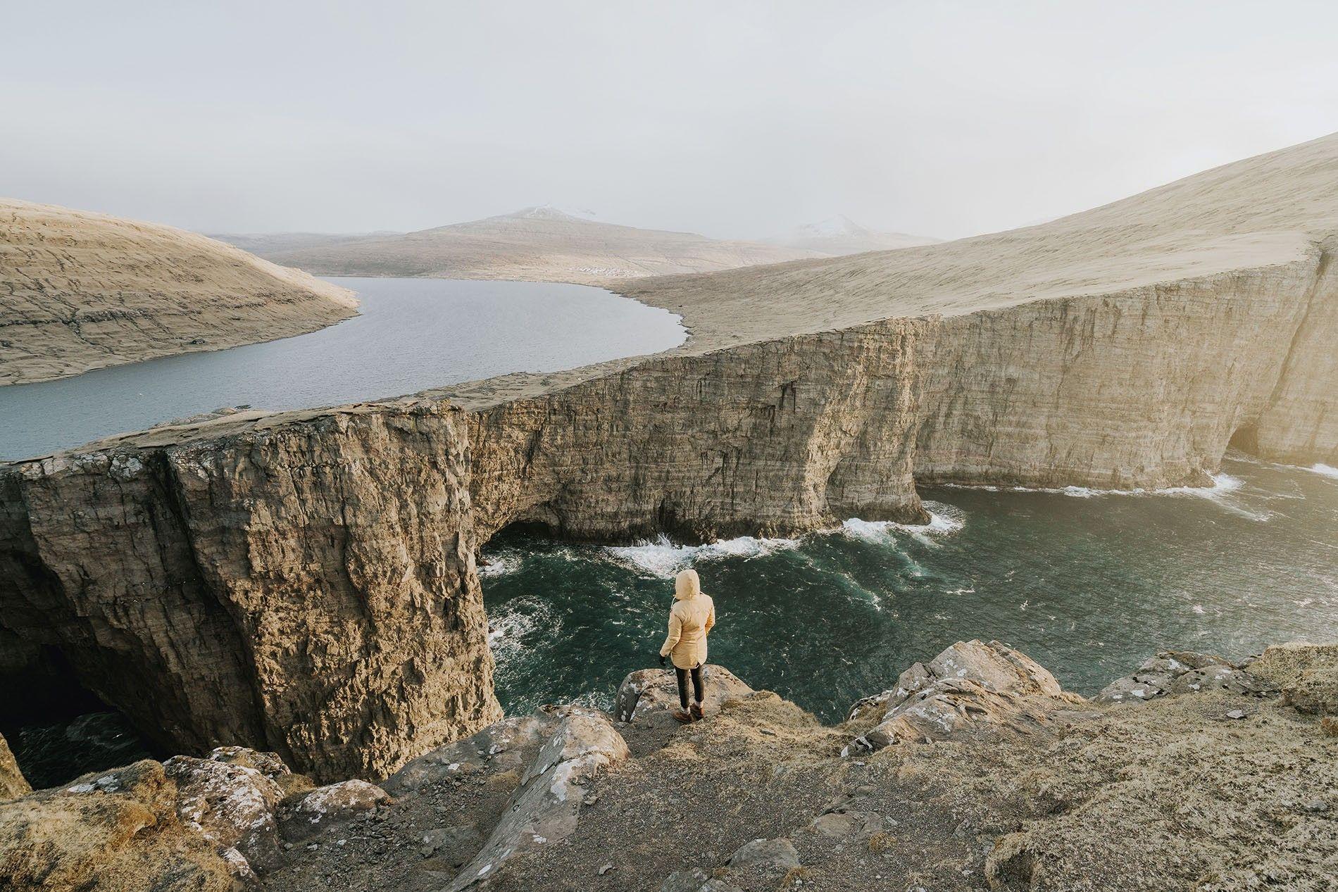 Leitisvatn Cliffs