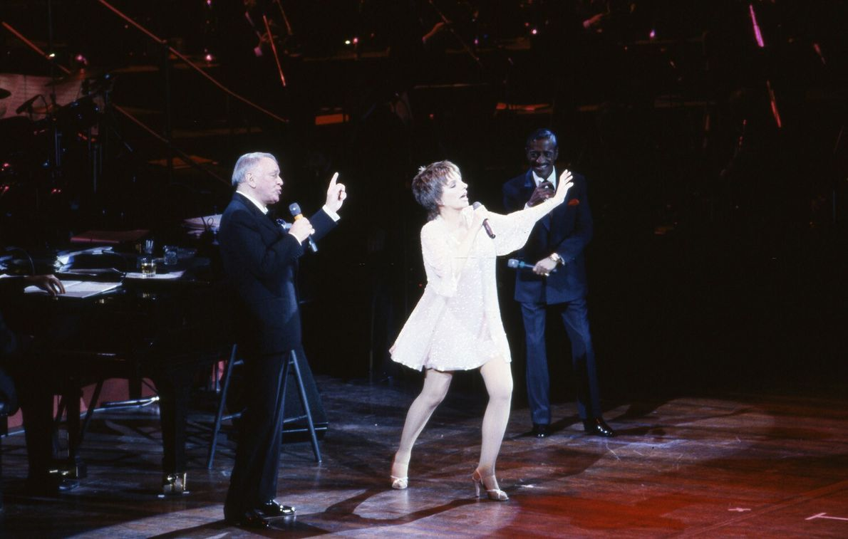 'Rat Pack' members Sammy Davis Jr and Frank Sinatra perform with Liza Minnelli, 1989.