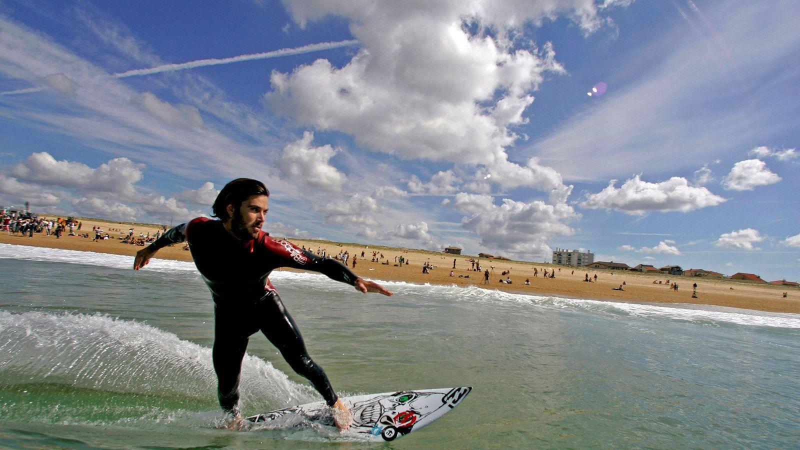 Surfing Hossegor, France
