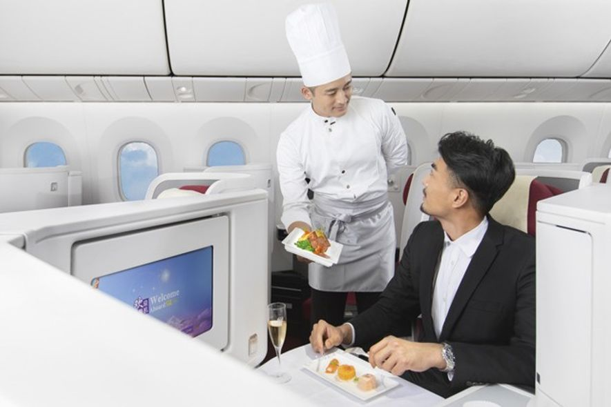 Inflight service with Hainan Airlines