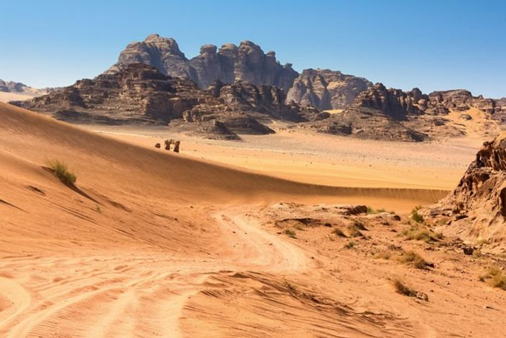 A road through Wadi Rum. Image: Jamie Lafferty
