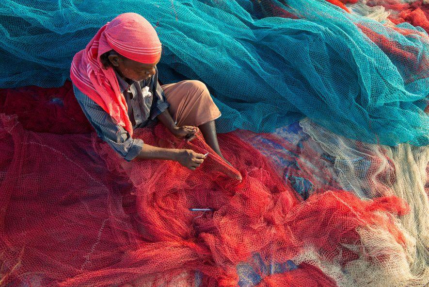 How India's Fishermen Turn Ocean Plastic Into Roads