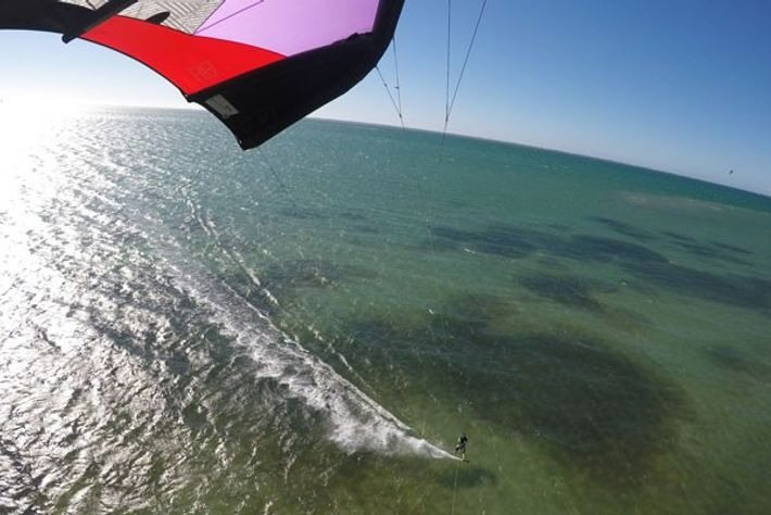Kitesurfing at Heliophora.