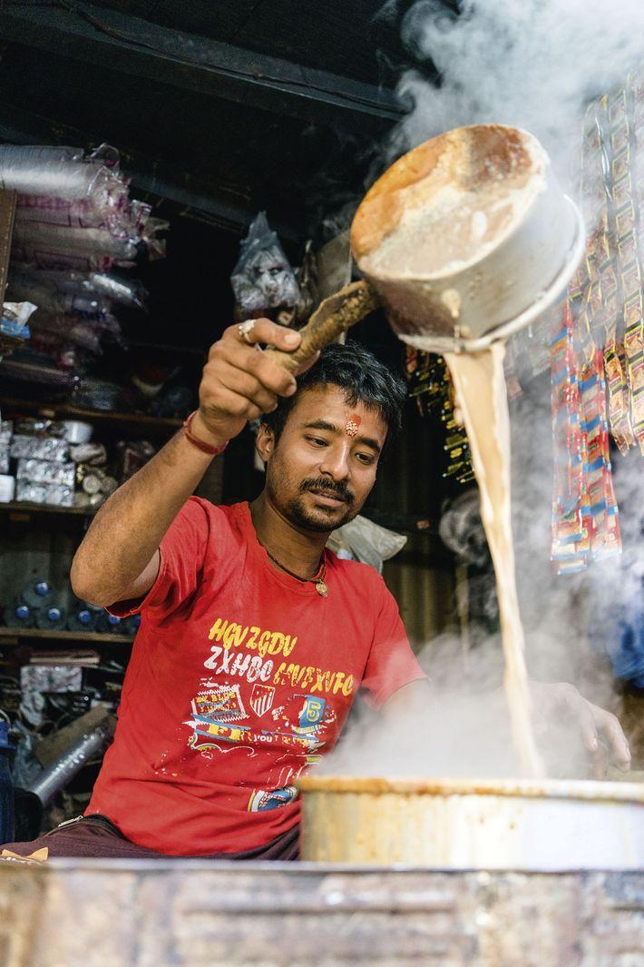 Chai seller in Kolkata Flower Maket