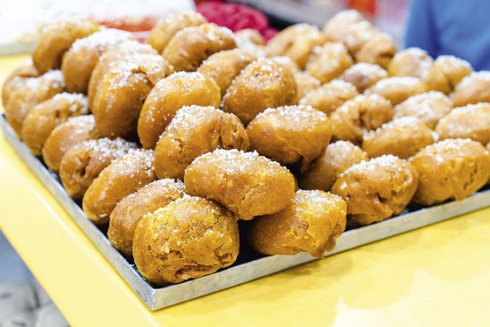 Pastries, Nahoum's Bakery