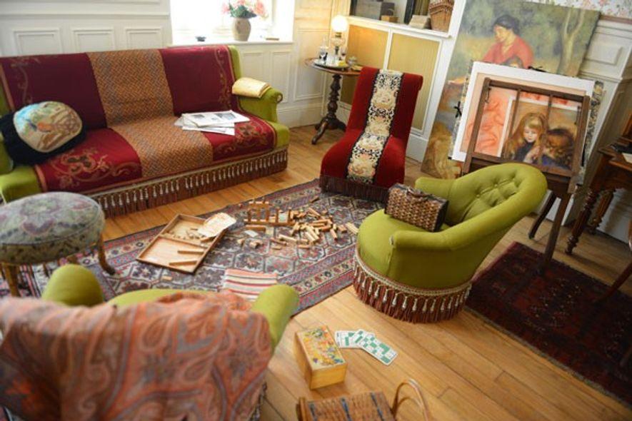 Renoir's living room