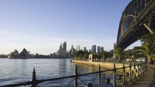 24 hrs: Sydney