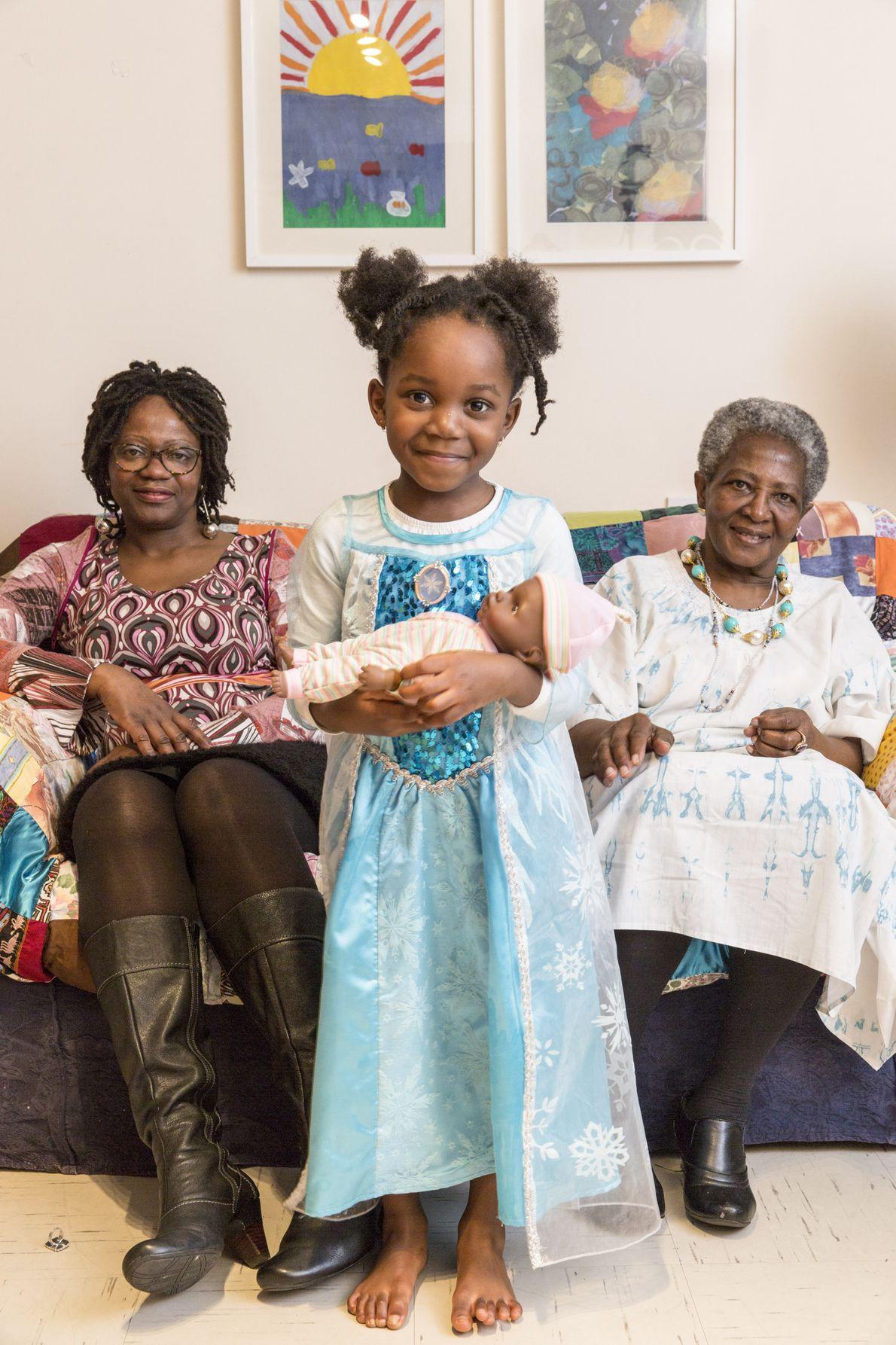 Angola: Felicia Luvumba with her mother, Judite, and her granddaughter, Shaiyarna.