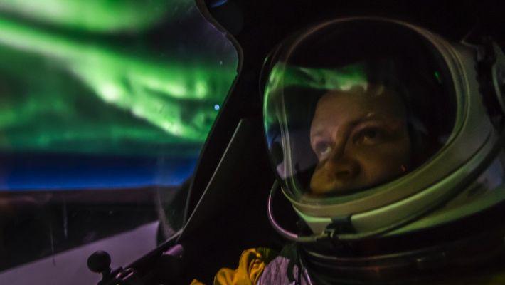 U2 Spy Plane Flies Through a Dazzling Aurora