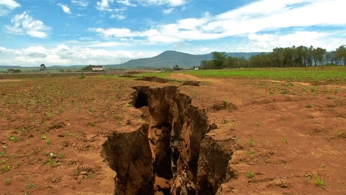What Made the Ground Split Open in Kenya?