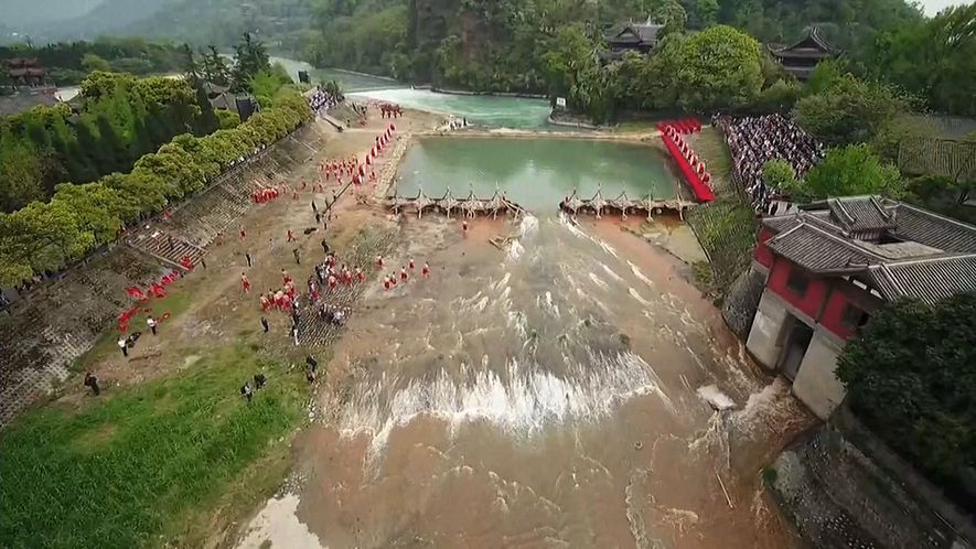See an Ancient Wonder of China that Transforms a River