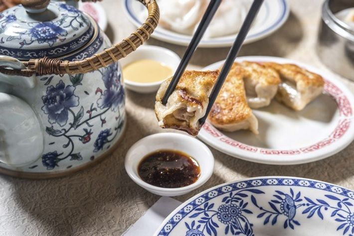 Pan-fried dumplings at Nom Wah Tea Parlor. Image: Paul Wagtouicz