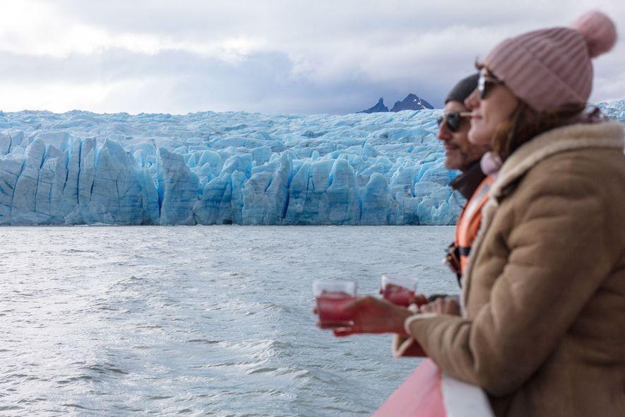 A boat trip to the Grey Glacier.