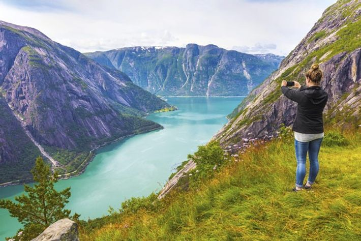 Hiking in high Norwegian mountains
