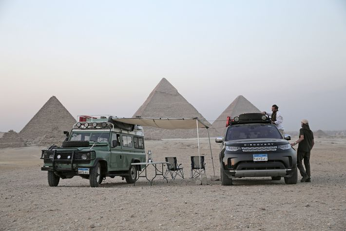 A makeshift camp in the desert at Giza.