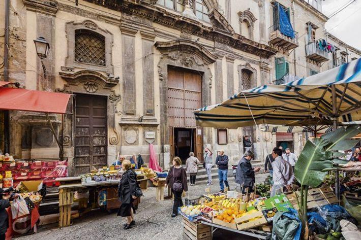 Capo Market and the Chiesa di San Ippolito Maggiore. Image: Getty