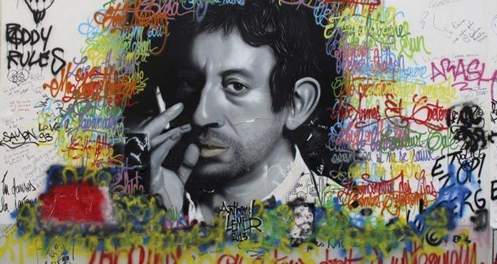 Portrait of Serge Gainsbourg outside 5 Rue de Verneui, Paris