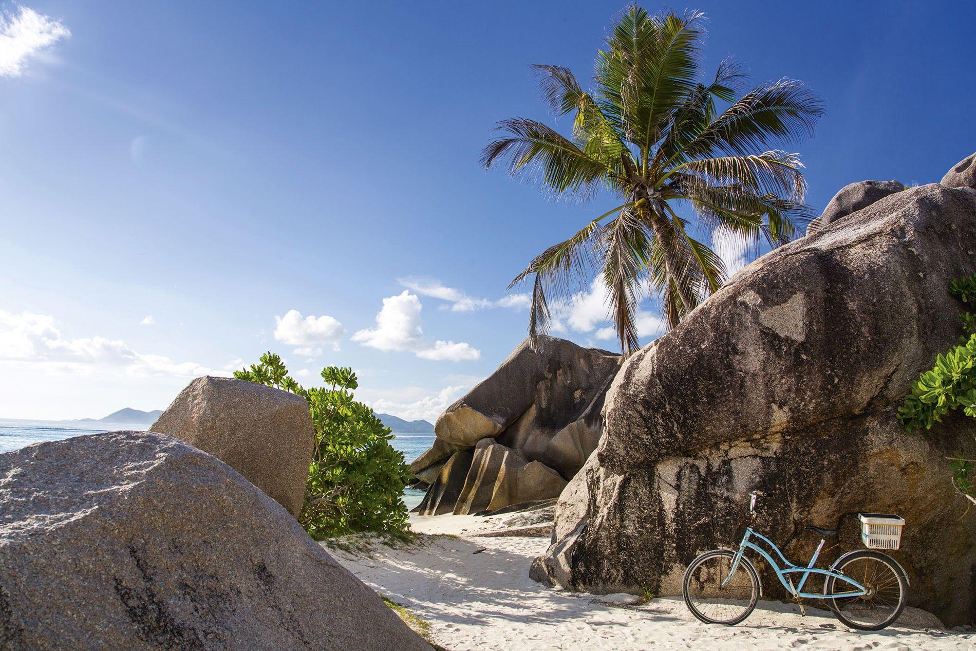 Anse Source d'Argent beach on Seychelles island of La Digue