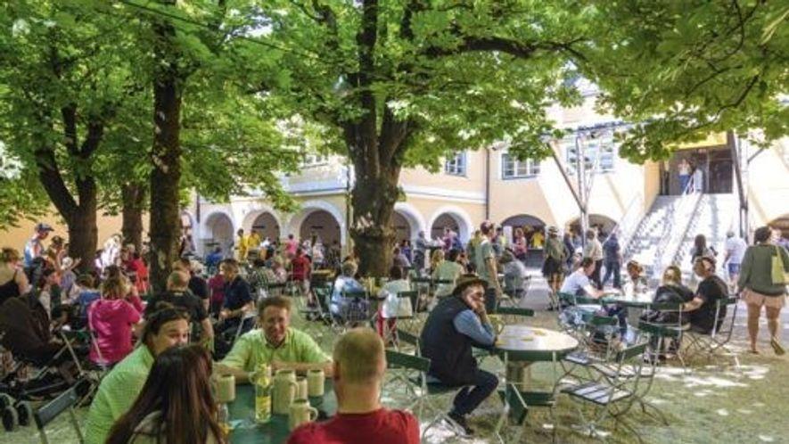 Beer garden at Augustiner Bräustübl