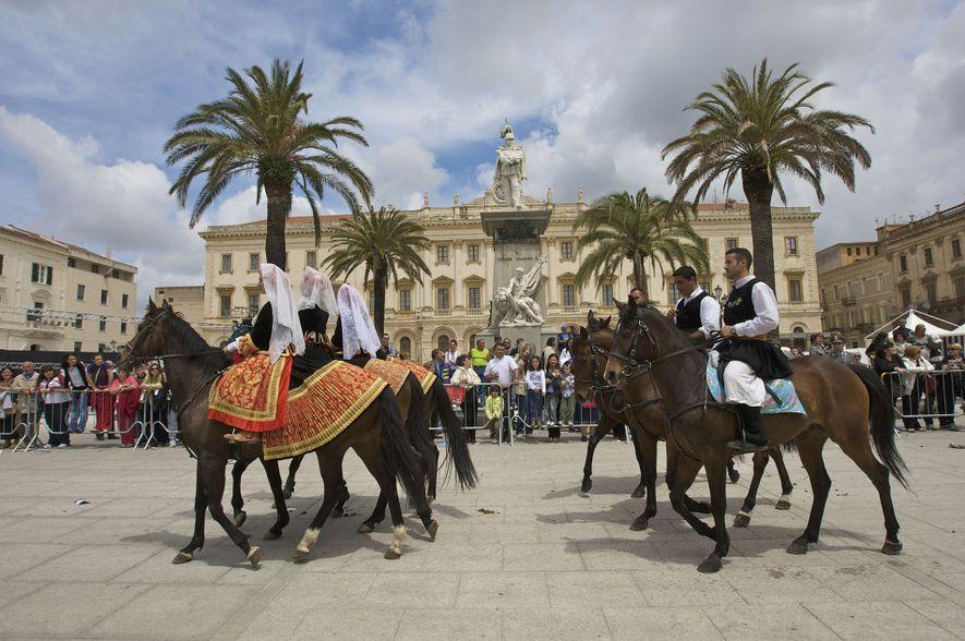 The Cavalcata Sarda parade on the Piazza Italia in Sassari