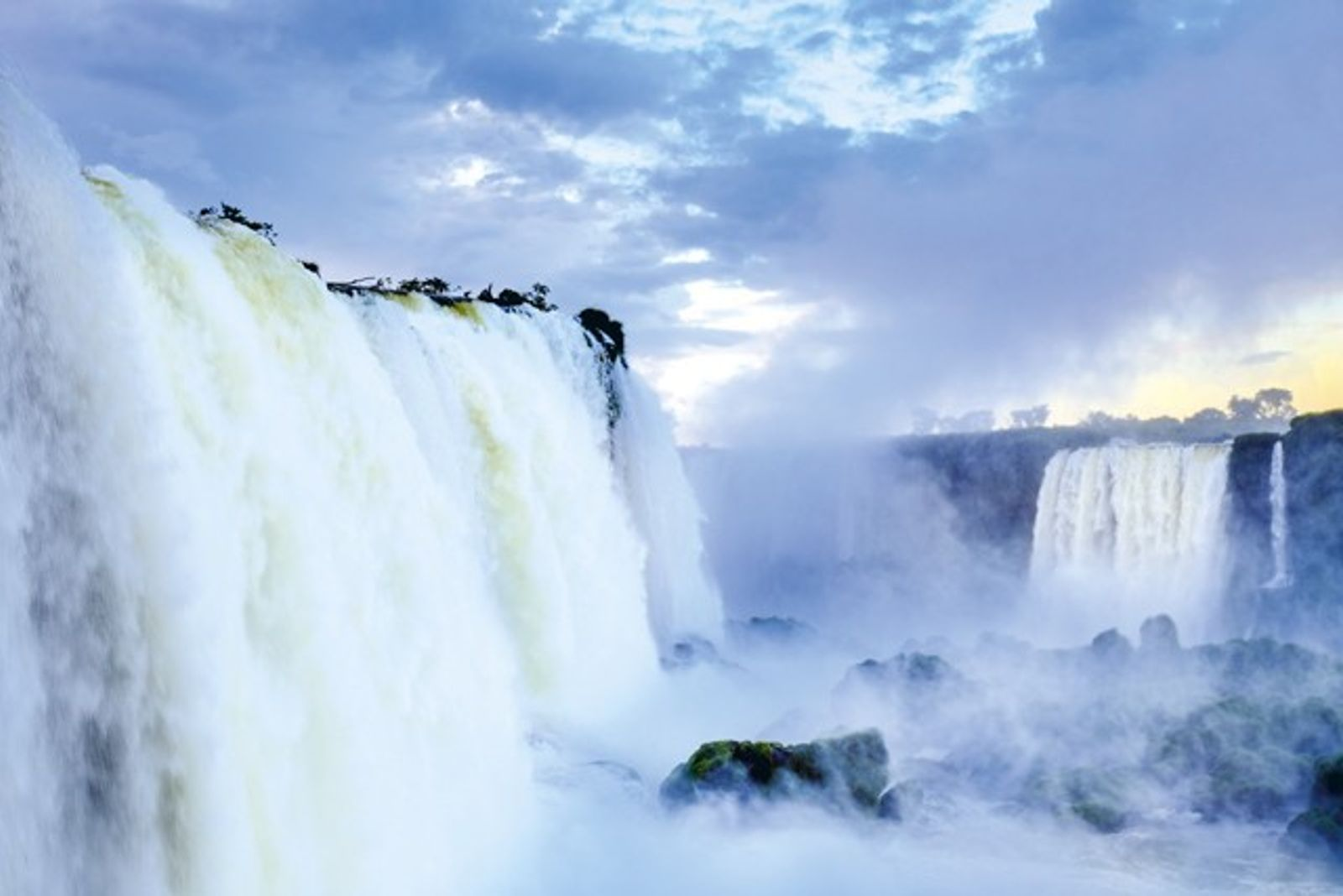 Argentina: Glaciers, lakes and waterfalls