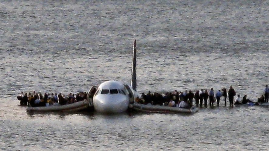 SULLY: MIRACLE ON THE HUDSON RIVER