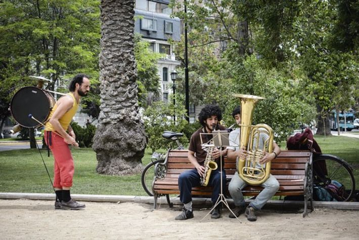 Musicians practise in Parque Forestal.