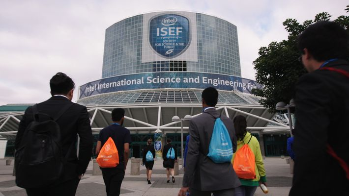 Students arrive at the International Science and Engineering Fair (ISEF) at the Los Angeles Convention Centre.