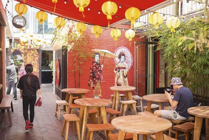 Al fresco dining at Spice Alley