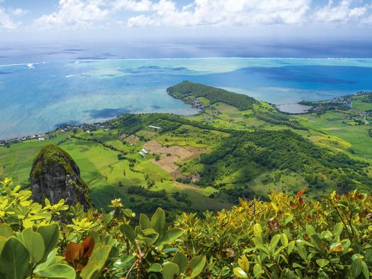 Mauritius: Beyond the beach