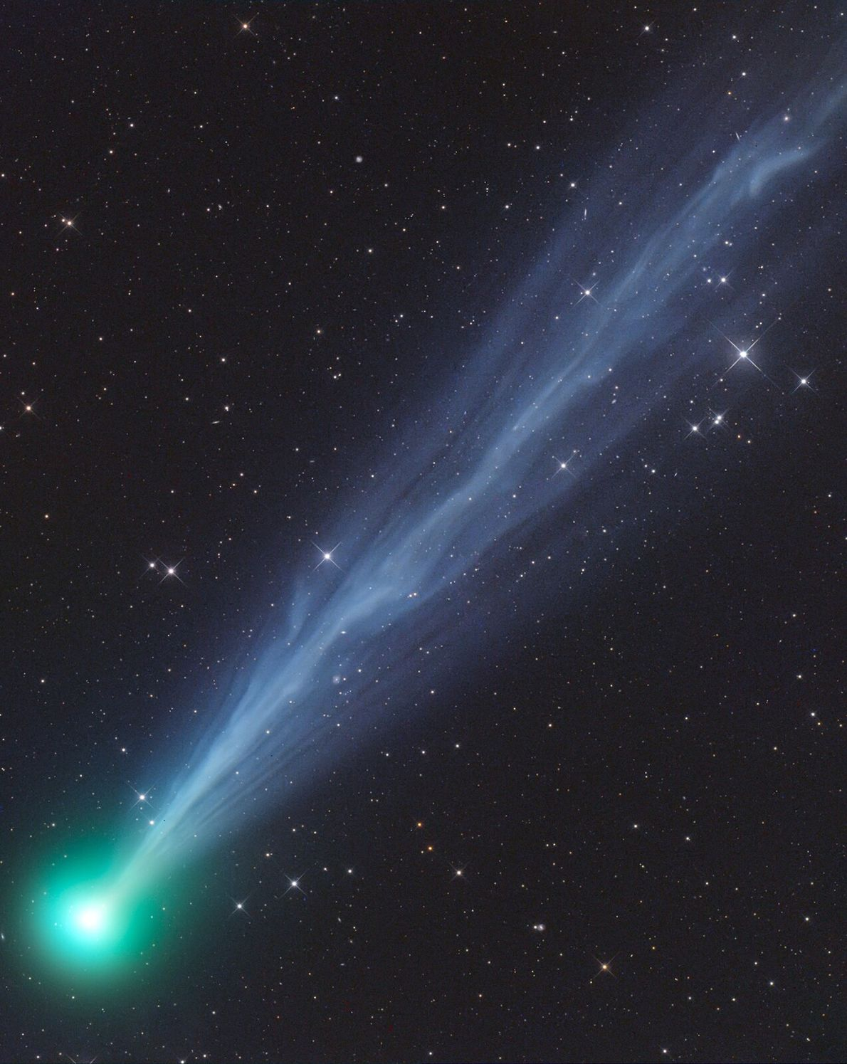 Made from 21 hours of total exposure, this image shows the comet 2020F8 SWAN, another highlight of ...