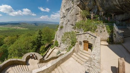 Top 5: Cave churches