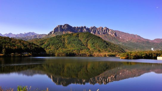 Gangwon features some of the peninsula's most pristine natural wonders, including four national parks.