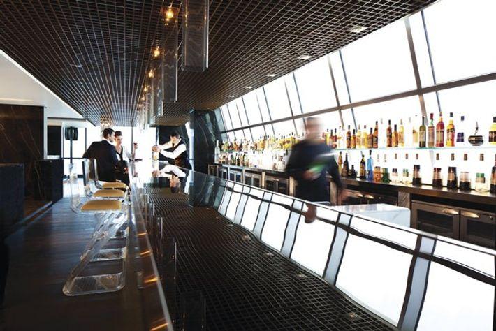 Ray's Bar, Jumeirah Etihad Towers.
