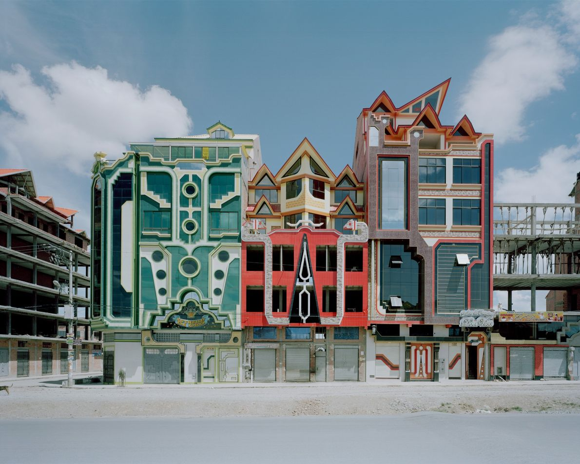 Bolivian architect Freddy Mamani's colourful designs are changing the face of El Alto.