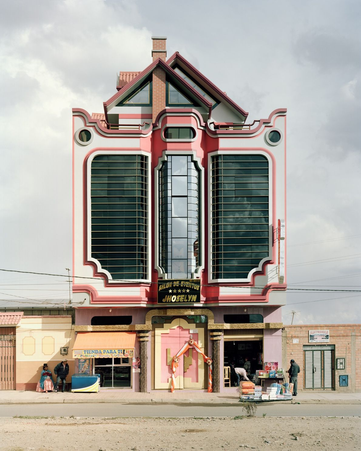 Buildings that are influenced by Mamani's style have been popping up in El Alto.